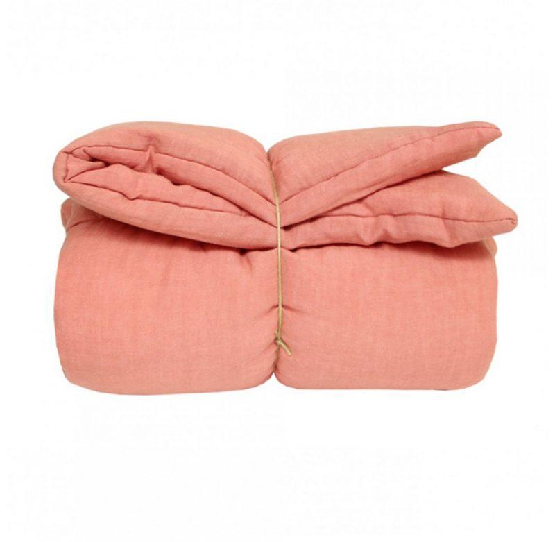 edredon-rose-blush-lesenfantsdudesign-parlonsmaisons